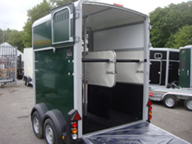 Ifor Williams Brunswick Green horse box